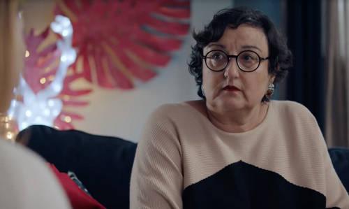 DNA : catherine benguigui rejoint le casting de la série, elle joue mona, la mère de georges (vidéo TF1)