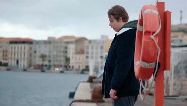Demain nous appartient 24 janvier 2020 (résumé) : Luke veut se noyer / Oscar embrasse Christelle